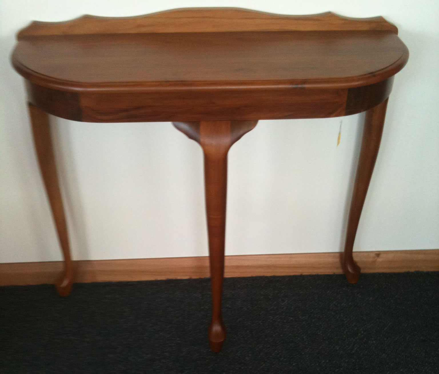Queen Anne Hall Table Turners Blackwood Furniture
